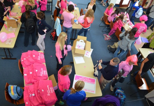 AU Pink Out Event